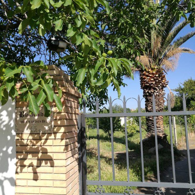 http://www.fincabienvenido.com/wp-content/uploads/2017/05/Alquiler-casa-rustica-en-Corella-Navarra-53-640x640.jpg