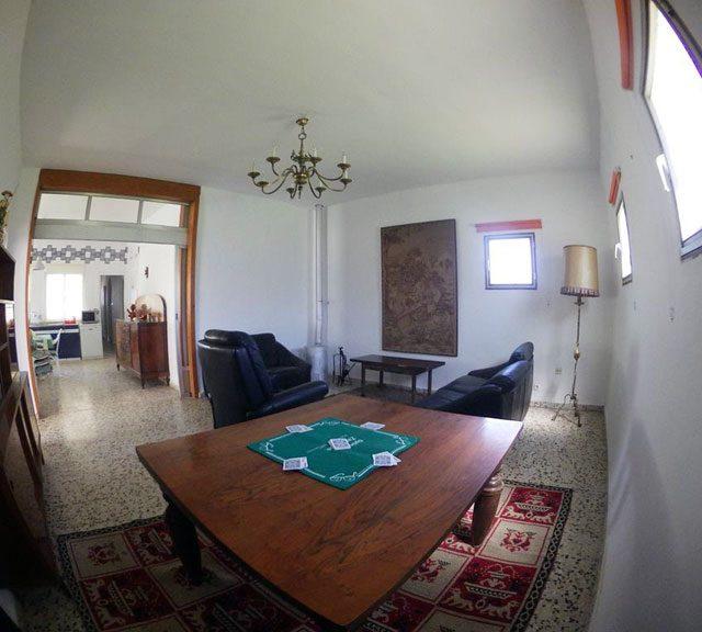 http://www.fincabienvenido.com/wp-content/uploads/2017/05/Finca-Bienvenido-Alquiler-finca-rustica-Corella-Navarra-Salon2-640x576.jpg