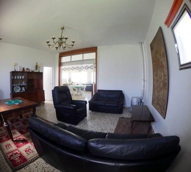 https://www.fincabienvenido.com/wp-content/uploads/2017/05/Finca-Bienvenido-Alquiler-finca-rustica-Corella-Navarra-Salon-640x576.jpg