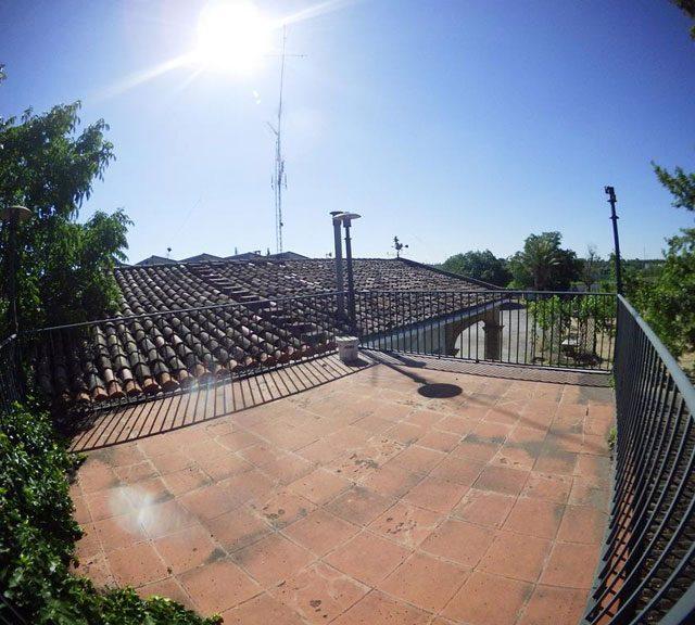 https://www.fincabienvenido.com/wp-content/uploads/2017/05/Finca-Bienvenido-Alquiler-finca-rustica-Corella-Navarra-Terraza-640x576.jpg